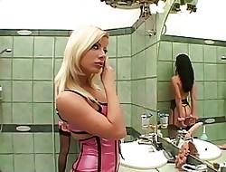 free smoking lesbian tube